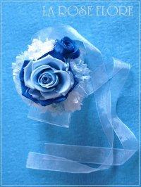 白xブルーメリアのブレスレット