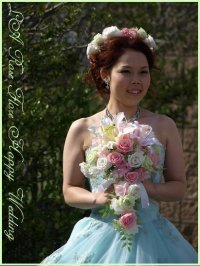 白xピンクxライトグリーンの花冠
