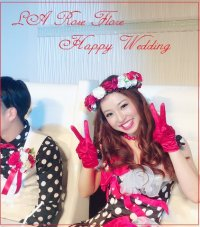 赤バラと白バラの花冠