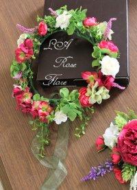 赤とグリーンガーランドの花冠