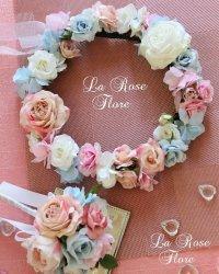 ピンクと淡いピンクと水色の花冠