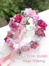 ピンクのバラの花冠